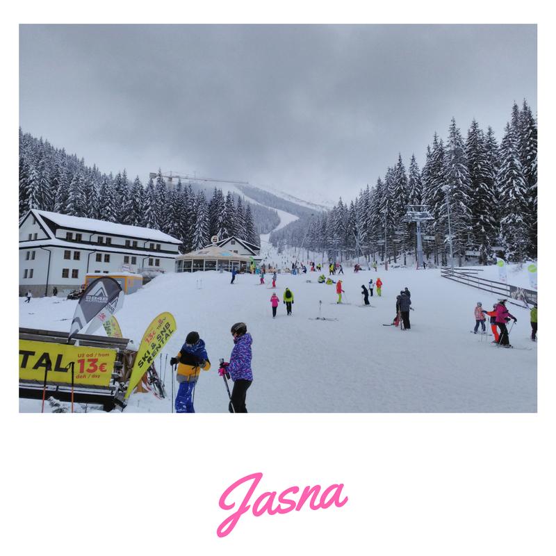 ski winter team building fun jasna